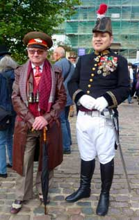Two more steampunks